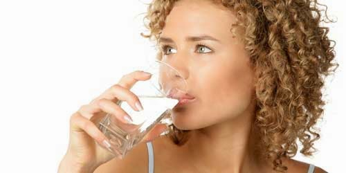 dos-litros-de-agua-al-dia-para-acelerar-nuestro-metabolismo